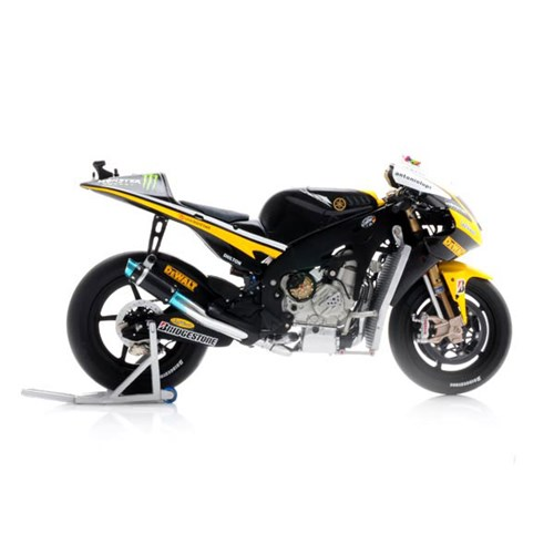 Tech 3 yamaha yzr m1 2010 11 b spies 1 12 for Yamaha m1 for sale