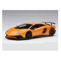 Lamborghini Aventador LP750-4 SV 2015 - Metallic Orange 1:18