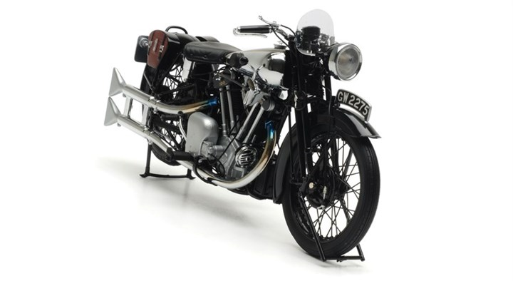 Minichamps-Lawrence-Brough-Superior-SS100-1.jpg