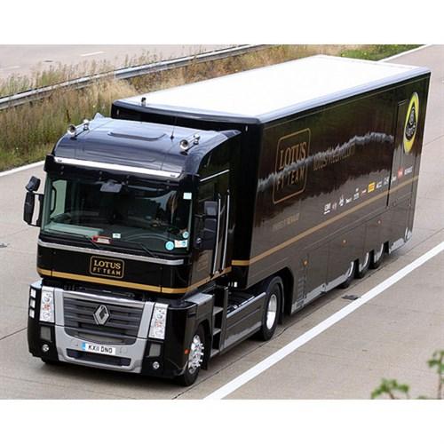 renault magnum transporter 2013 lotus f1 team 1 43. Black Bedroom Furniture Sets. Home Design Ideas