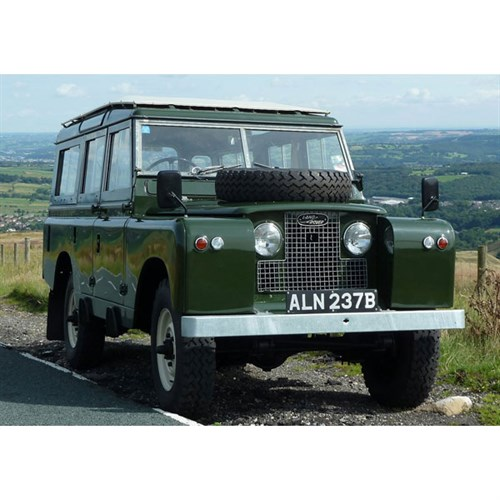 TrueScale Miniatures Land Rover Series II 1960 - Safari Wagon 1:43
