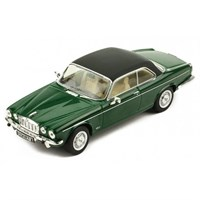 IXO Jaguar XJ12C MK II 1974 - Green/Black 1:43
