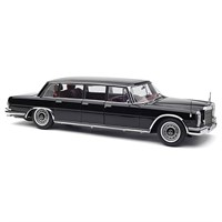 Mercedes W100 Pullman 6-Door - Black 1:18