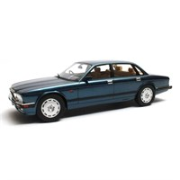 Cult Jaguar XJR XJ40 1990 - Blue Metallic 1:18