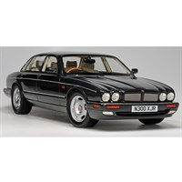 Jaguar XJR X300 1995 - Black Metallic 1:18