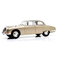 Jaguar S-Type 1965 - Gold Metallic 1:18