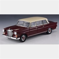 GLM Mercedes-Benz W110 Binz Lang 1965 - Red 1:43