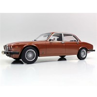 Lucky Step Jaguar XJ6 1982 - Bronze 1:18