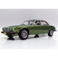 Lucky Step Jaguar XJ6 1982 - Light Metallic Green 1:18
