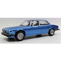 Lucky Step Jaguar XJ6 1982 - Blue 1:18