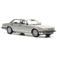 Jaguar XJ40 Sovereign 1990 - Silver 1:43