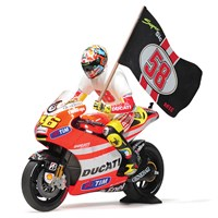 Ducati Desmosedici GP 11.2 Tribute To Marco w. Figure & Flag - 2011 Moto GP - #46 V. Rossi 1:12