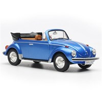 Volkswagen Beetle Convertible 1973 - Metallic Blue 1:43