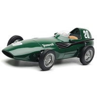 SMTS Vanwall VW57 - 1st 1957 British Grand Prix - #20 S. Moss & T. Brooks 1:18