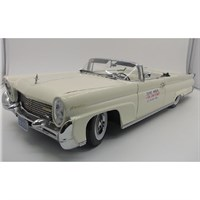 Sun Star Lincoln Continental MK.III Open Convertible 1958 - John F. Kennedy - 1:18