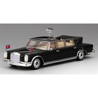 TrueScale Miniatures Mercedes 600 Landaulet 1978 North Korea Military Parade Car - 1:43