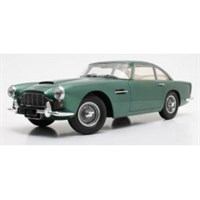 12 Art Aston Martin DB4 - Metallic Green 1:12