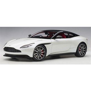 AUTOart Aston Martin DB11 - Morning Frost White 1:18