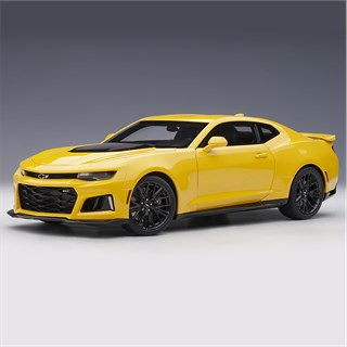 AUTOart Chevrolet Camaro ZL1 2017 - Bright Yellow 1:18