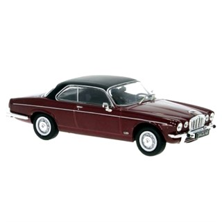 IXO Jaguar XJ12C 1976 - Red/Black 1:43