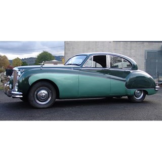 Neo Jaguar Mk.8 1957 - Dark Green/Light Green 1:18