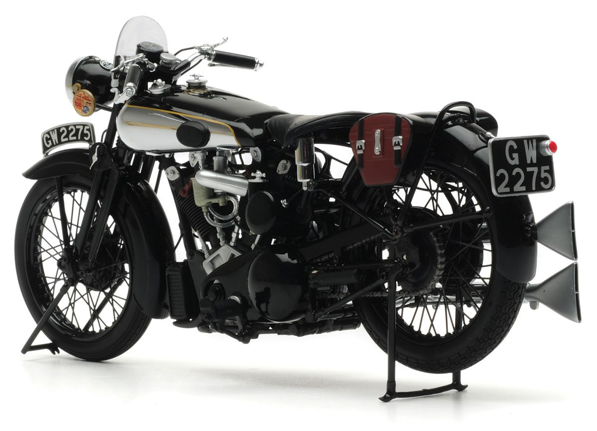 Minichamps 1:12 Lawrence Brough Superior SS100 Diecast Model Bike Review