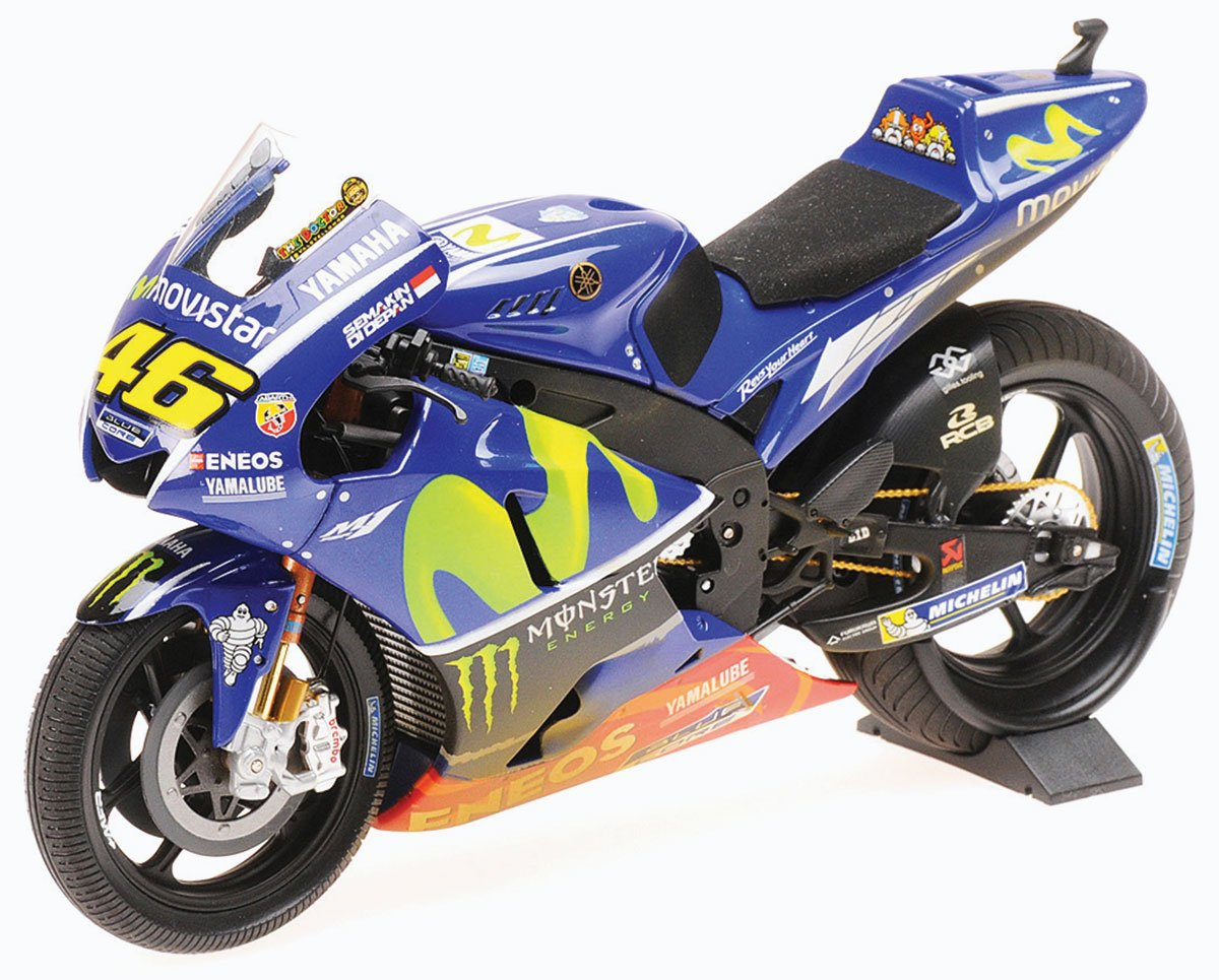 Minichamps Rossi 2017 Malaysian GP Yamaha Diecast Model Car Review