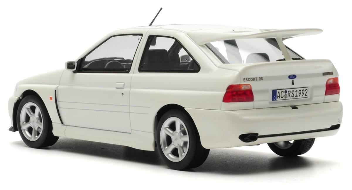 Norev 1:18 1992 Ford Escort RS Cosworth Diecast Model Car Review
